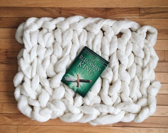 Chunky hand knit pure wool blanket/backdrop (L)