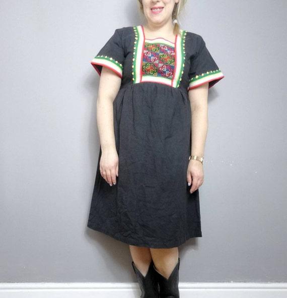 Vintage Mexican style folk dress / black cotton kaftan dress / Ibiza boho dress / vintage cotton summer dress / vintage Mexican kaftan neon