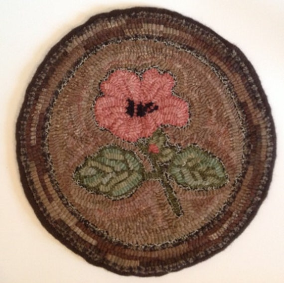 Rug Hooking Pattern for Hibiscus Chair Pad, on Monks Cloth or Primitive Linen, P102