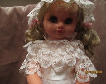 Froja 70s musical bride doll