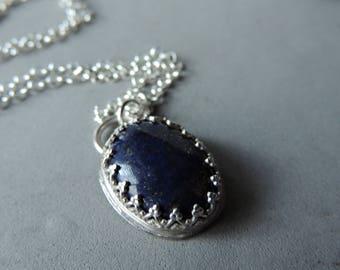 Lapis et collier en argent, argent lunette de pierres précieuses, bijoux, pendentif en Lapis urbain rustique, fabriqués à la main, ovale, en argent avec des coeurs de superposition