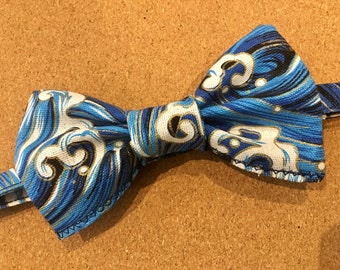 Japanese wave blue bowtie