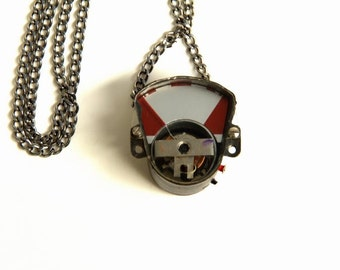 Photographer Gifts, Camera Necklace, Vintage Jewelry, Camera Jewelry, Silver Necklace, Steampunk Necklace, Gift for Photographers, Vintage