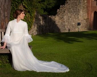 Maggie 1970s Vintage Wedding Dress