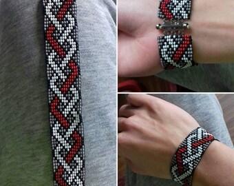 Pearl bracelet-tress