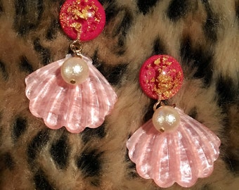 Pinky shell earrings