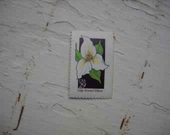 Trillium flower stamp