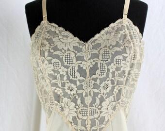 Vintage Vanity Fair Full Slip Lots of Lace beige 36