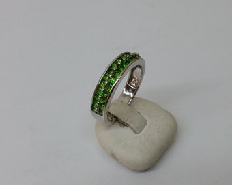 Ring 925 Silver of luminous green crystals SR747