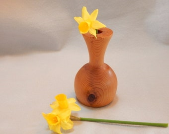 Mothers Day gift. gift for her, brown cedar bud vase. Can be used dry or with insert for water. turned off-round