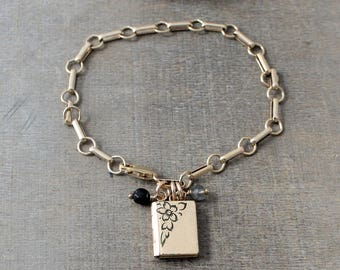 Gold Locket Bracelet, Gold Book Locket, Chunky Gold Chain Bracelet, Antique Gold Locket, Picture Locket, Gold Photo Locket Charm Bracelet