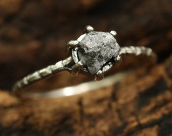 Genuine rough diamond ring in prongs setting with sterling silver texture oxidized band
