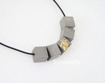 Beton Collier - Halskette -  Würfel - Cube - Blattmetall goldfarben - *BETON ORIGINELL* - Geschenk -