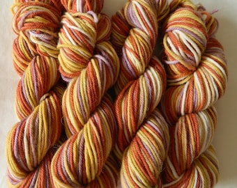 Hand dyed bulky /12 ply 100g Peruvian Highland wool / superfine alpaca in Sunset Over Uluru colourway
