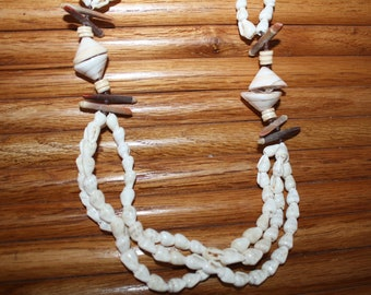 Sea Shell Long Necklace Vintage