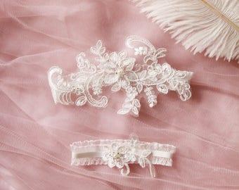 Wedding Garter Bridal Garter Set Ivory Garter Ivory Lace Garter Set - Vintage Inspired Garter / Rustic Garter / Bohemian Garter Boho Garter