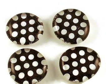 Refrigerator Magnets  Glass Marble Magnets in Polka Dots Rock  (M40)