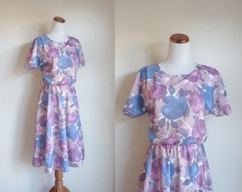 Vintage 80s Dress, Floral Dress, Short Sleeve Dress, Blue Pink and Beige Rose Dress, Dolman Sleeve Dress, Elastic waist, Medium Large Petite