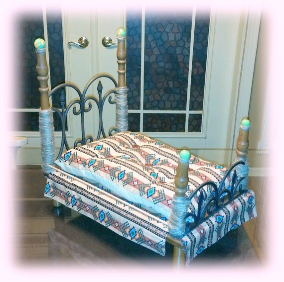 Beautiful Hand Crafted Small Dog Bed, Hand Made Dog Bed, Dog Bed Furniture, Southwestern Design Dog Bed . . (Custom Orders Welcome)