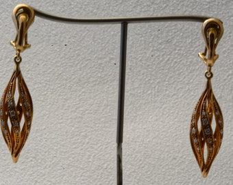 Earrings gold and diamonds