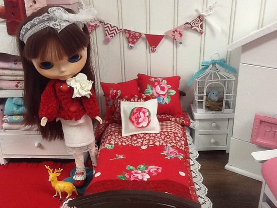 Sale-Doll Bedding 1:6-Red Floral Bedding set