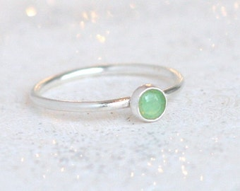 chrysoprase ring / sterling silver stacking ring. minimalist. mint green chrysoprase. May birthstone ring. green gemstone ring. stack ring.