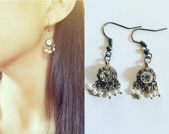 gift for her, Vintage style earrings