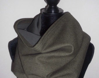 Olive green wool and cashmere snood