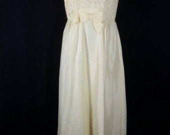 Vtg 60s yellow maxi dress with lace covered bodice size small to medium chest 38