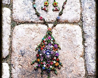 Stunning Metal Painted Floral Crystal Pendant Necklace and Earring Set