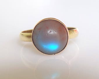 Victorian 9CT Gold Saphiret cabochon ring