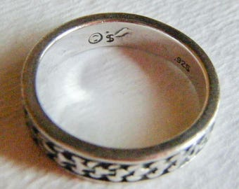 Sterling Silver band Ring Size 6
