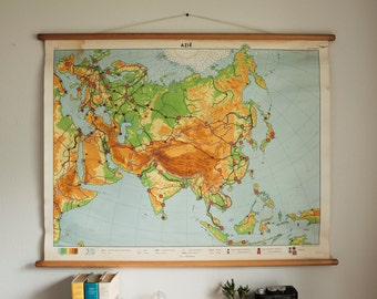 Vintage School Map Asia / Pull down / Wood Canvas