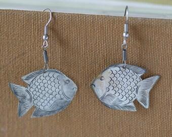 Silver fish earrlings