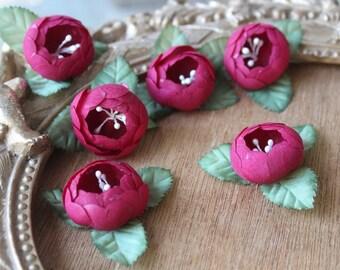 Cute silk   flower  4 piece listing 1.5 inch wide