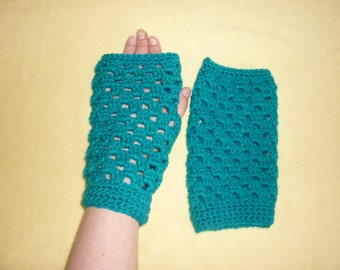 Blue fingerless gloves made crochet