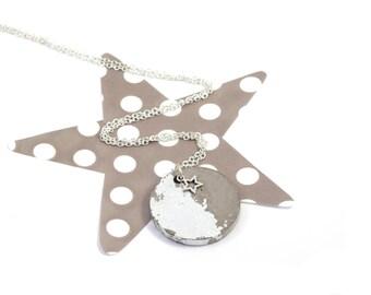 Round concrete silver necklace