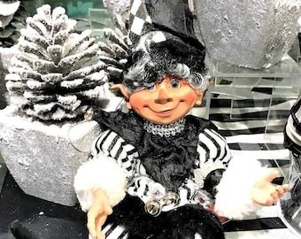 """Floridus 11"""" """"RYDER"""" Elf (White & Black) FLO-XN707600"""