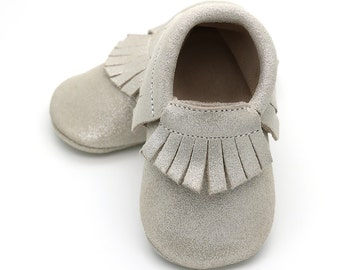 Silver stardust baby shoes, silver moccasins for baby girls, baby mocs, leather baby shoes, crib shoes, baby booties, baby shower gift