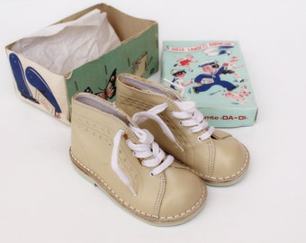 Vintage baby shoes UNUSED 60 s Vintage toddler shoes Genuine leather baby booties Vintage baby booties Beige toddler shoes Made in Norway