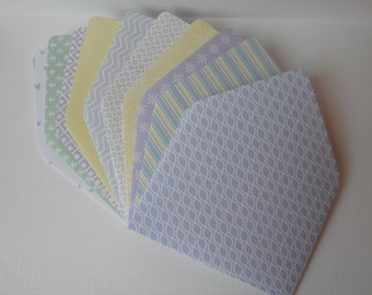 Set of 10 Mini enveloppes with notecards, pastel colors.