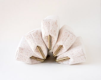 Set of 5 Bridesmaid clutches / Wedding Party /Chantilly Lace Clutch, choose your own initial option / Wedding Favor/ Vintage Wedding