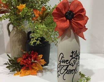 Give Thanks Fall Wine Bottle Decor / Painted Wine Bottle / Fall Colors / Pumpkin Spice Bow / Thanksgiving Decor /  Fall Decorations