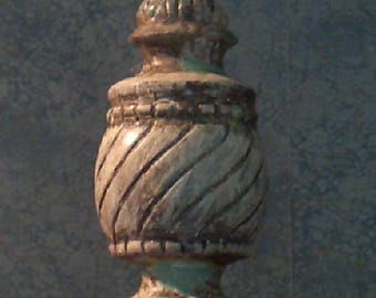 Finial-Painted Distressed