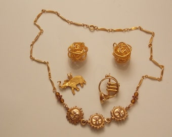 Vintage Lot of Gold Tone Costume Jewelry