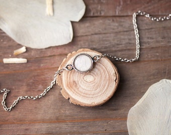White tulip Dainty bracelet, Delicate bracelet, Silver tulip bracelet Tulip jewelry Tiny Charm bracelet, Bridesmaids bracelet flower jewelry