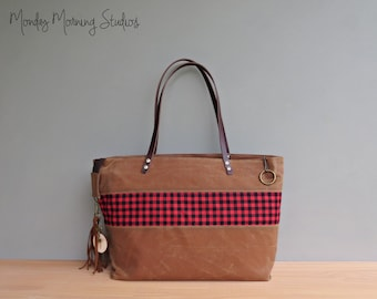 Personalized Red Buffalo Plaid Tote, Waxed Canvas Zipper Tote Bag with Lumberjack Checks, Picnic Red Carryall, Bag with Leather Straps, USA