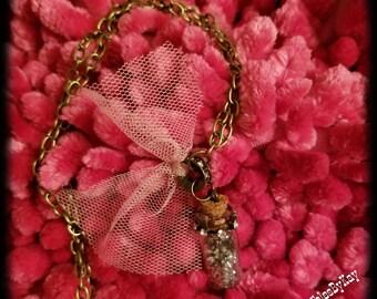 Genie Glitter Necklace