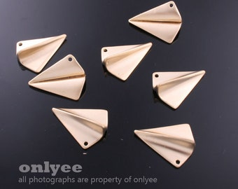 2pcs-17mmX14mmMatt Gold plated Brass 3D folded paper plane origami Charms,pendants(K580G)