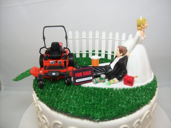 Grass Cutting Bride and Groom W/Diecast KUBOTA Lawn Mower